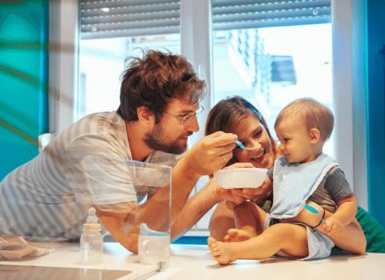 faire manger son bébé